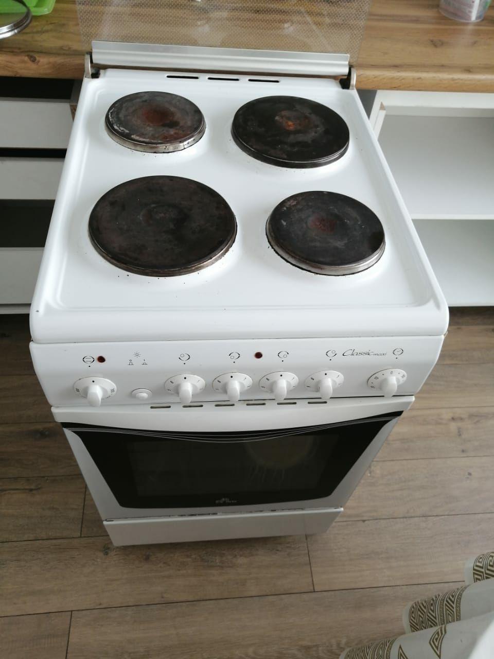 Электрическая плита Делюкс