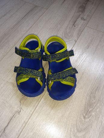 Sandalute baietel