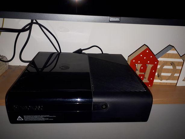 Vand Xbox 360 cu toate incluse+10 jocuri     PREDARE PERSONALA IN CLUJ