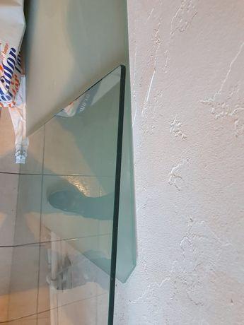 Vand 2 buc geam pentru masa, unul sablat si unul simplu
