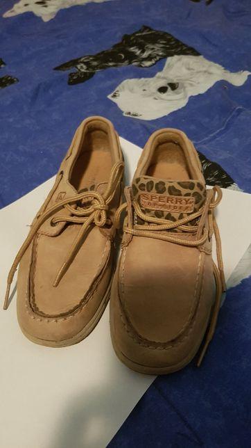 Vand pantofi sport