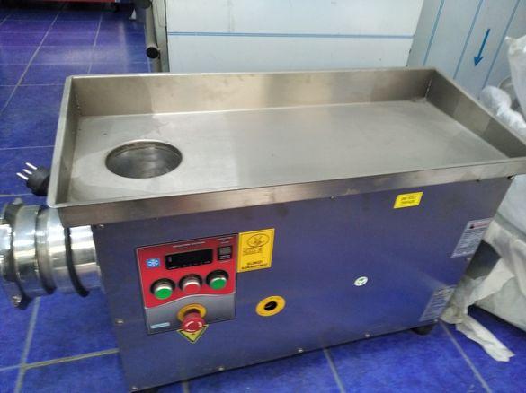 Месомелачка. Хладилна месомелачка с агрегат за охлаждане на месото.N22