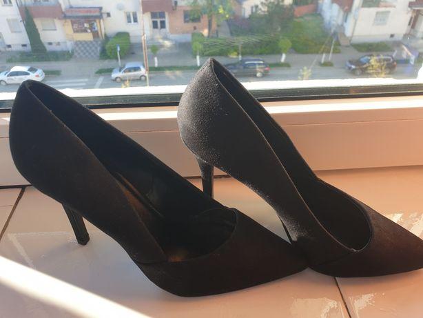 Pantofi negri marime37