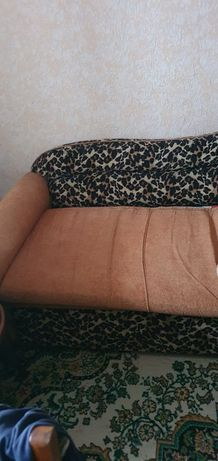 Продам раздвижной диван