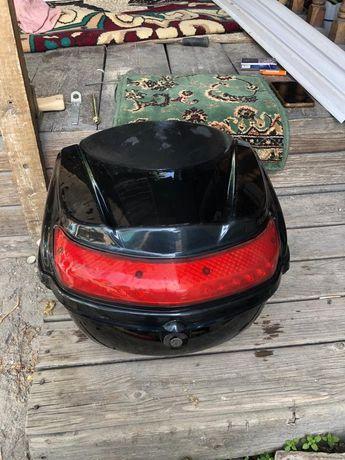 Багажник на мото (скутеров)