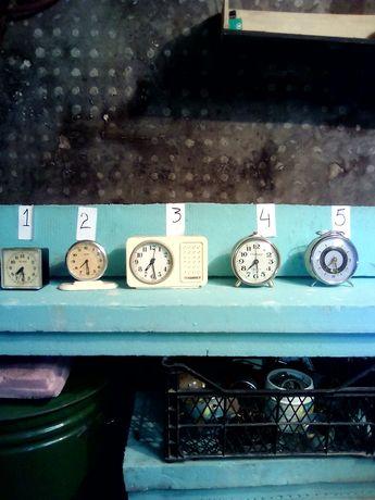 Механични будилници работещи и обслужени.