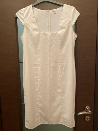 Продам женское в платье размер 46-48