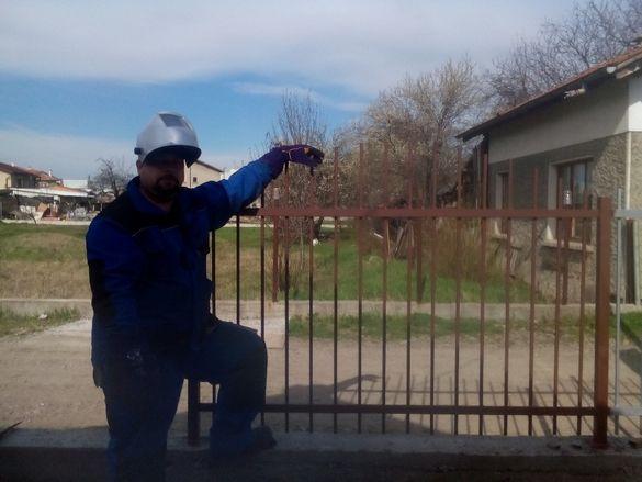 оградни пана метални огради и гаражни врати