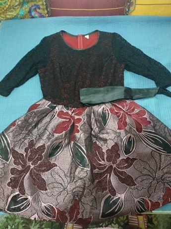 Платье 48р, наш адрес Сайрам центр