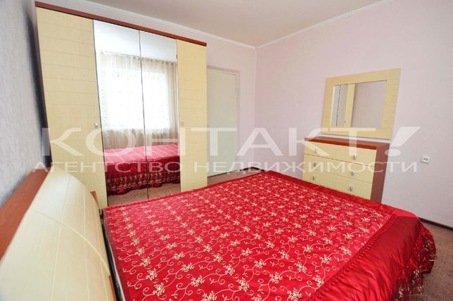 Продаётся 3-х комнатная квартира, 7 микрорайон