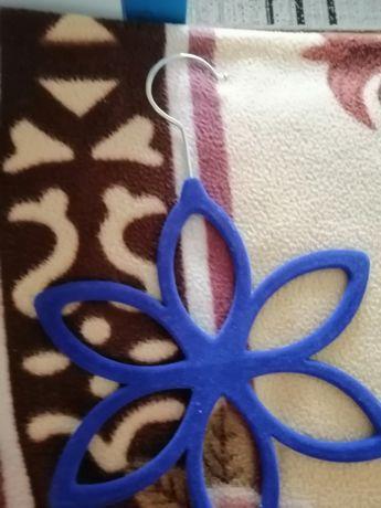 Закачалка за шалове