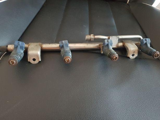 Injector Injectoare +rampa injectoare Audi A4 B7 benzina BFB