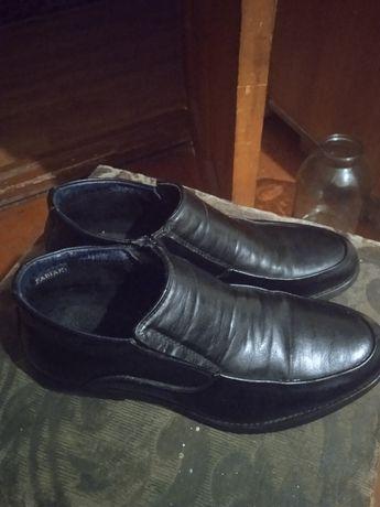 Продам туфли школьный
