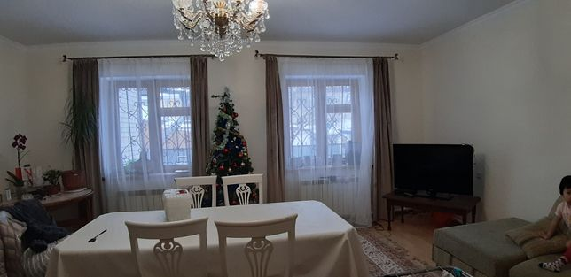 Продам 2 дома в одном дворе на Спутнике
