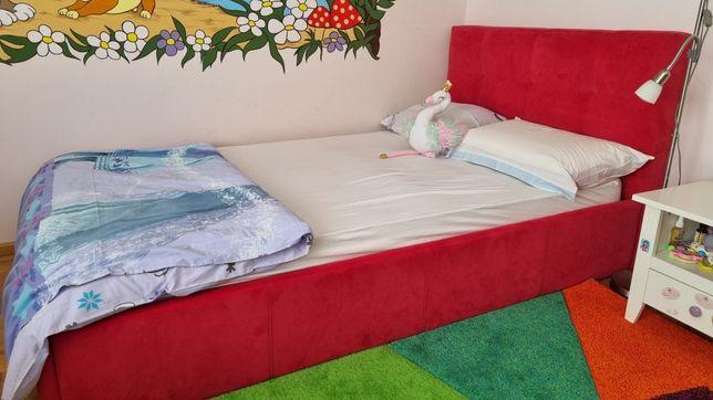 Vând pat de fetite
