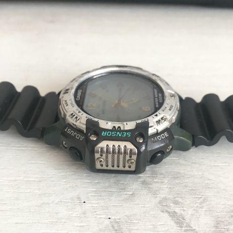 Casio twin sensor 100 m, barometru, altimetru, cronometru start-stop