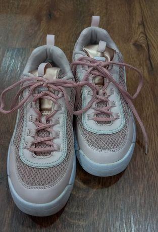 Розови обувки Fila