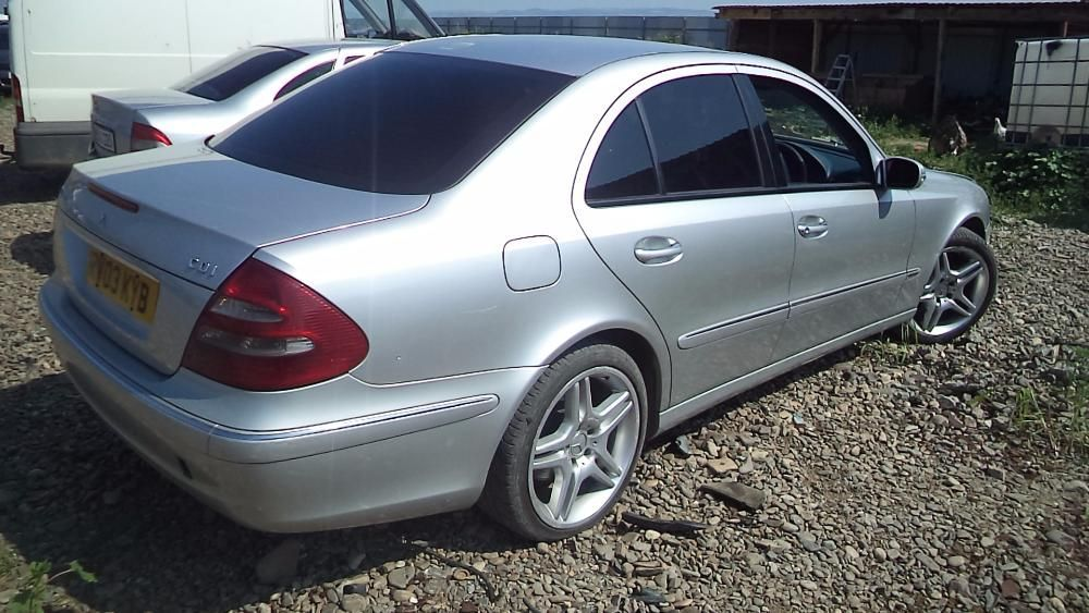 dezmembrez mercedes e 270 din 2004 Pascani - imagine 1