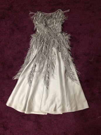 Продам платье(можно на прокат)
