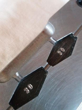Гравиране на леярски,форми,матрици,инструмент,гравюри върху метал.