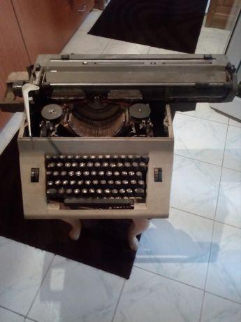 Masina de scris veche