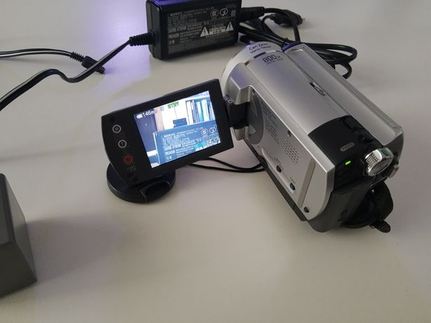 Camera video Sony DCR-SR40 , hdd 30 GB , Made in Japan , 2 baterii