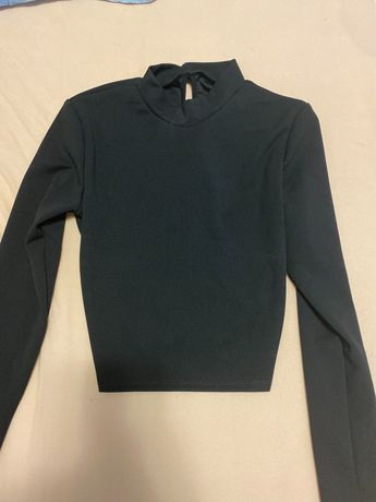 Блузка с отворен гръб и връзки