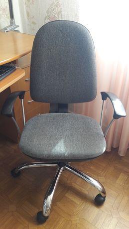 Продам кресло в рабочем состоянии