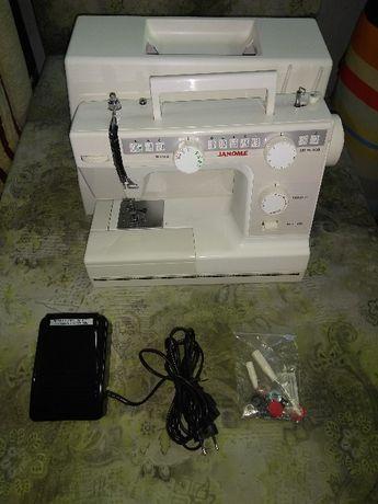 Продам швейную машинку Janome 397S