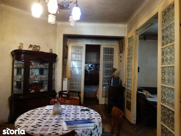 GM1371 Vanzare casa 5 camere Unirii_Budapesta, 150mp