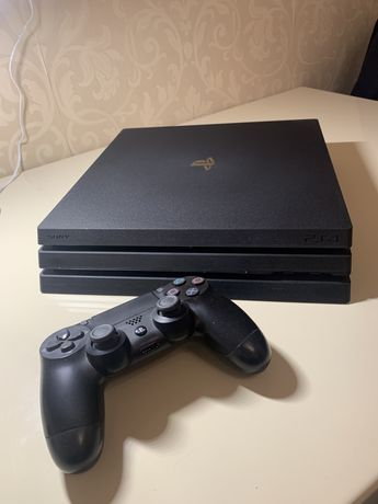 Vand Playstation 4 PRO 1TB