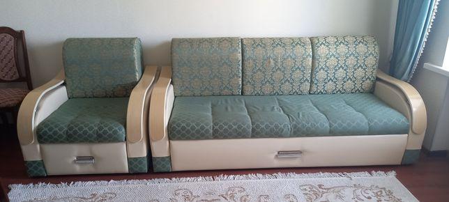 Продаётся диван.