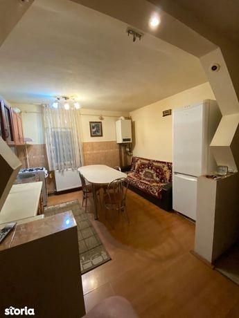 Apartament etaj intermediar zona Rovine
