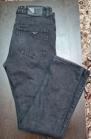Продам мужские джинсы AJ