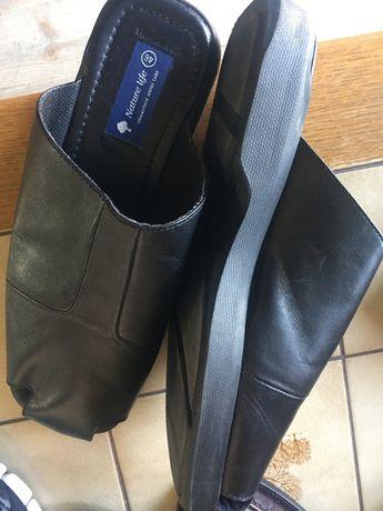 Papuci din piele 46