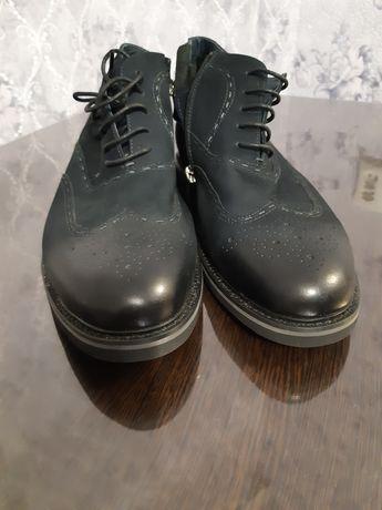 Продам ботинки броги мужские.