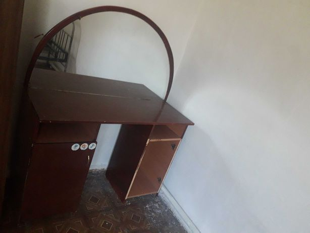 Трюмо со шкафчиками, почти ДАРОМ 1500 тенге