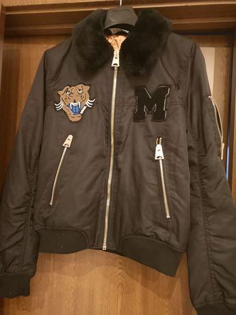 Дамско спортно яке, ново без етикет, купено от Испания.