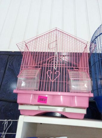Клетки для попугаев, шлейки и корма,игрушки