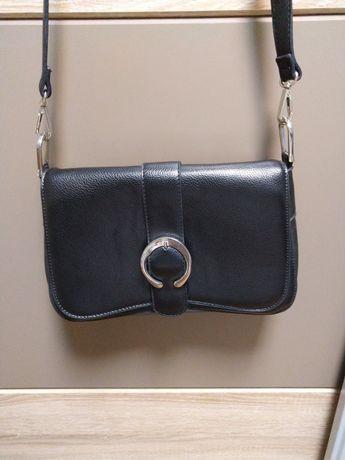 Малка черна дамска  чанта Mohito