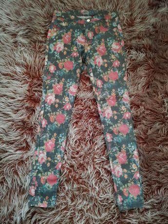 Нов панталон на цветя М , тениска H&M Л с етикет