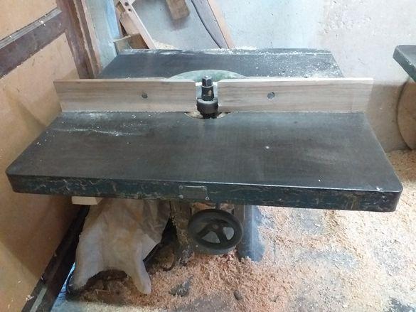 Дърводелска машина-фреза