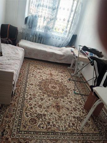 Срочно сдаём комната с подселением парням конечный Жумабаев Жургенов