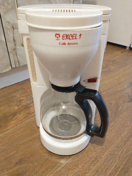 Кафеварка за до 12 кафета с филтър работеща в отлично състояние