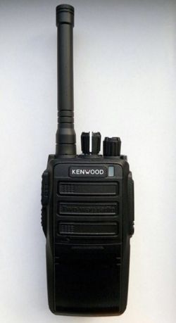 Рация Kenwood TK-450A. Мощность 10W. Дальность до 8-10 км.