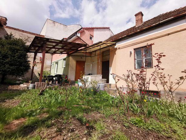 2 case Satu Mare , zona Piata mica