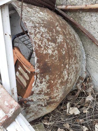 Палетна вилица и кофа за бетон