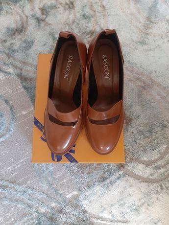 Продам модный стильный туфли-ботильон в отличном состоянии