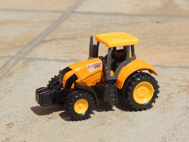 Macheta tractor Clasic 603 sc 1:64 la cutie