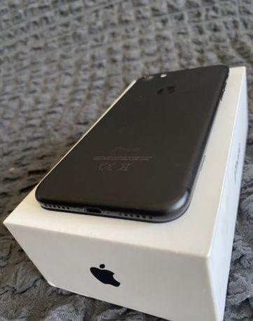 На Самсунг. Iphone 7. Память 128гб